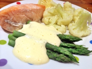 Salmon, asparagus & foaming hollandaise