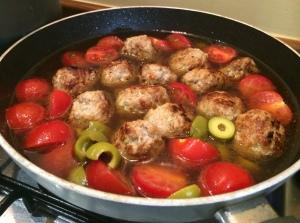 Summer spaghetti and meatballs